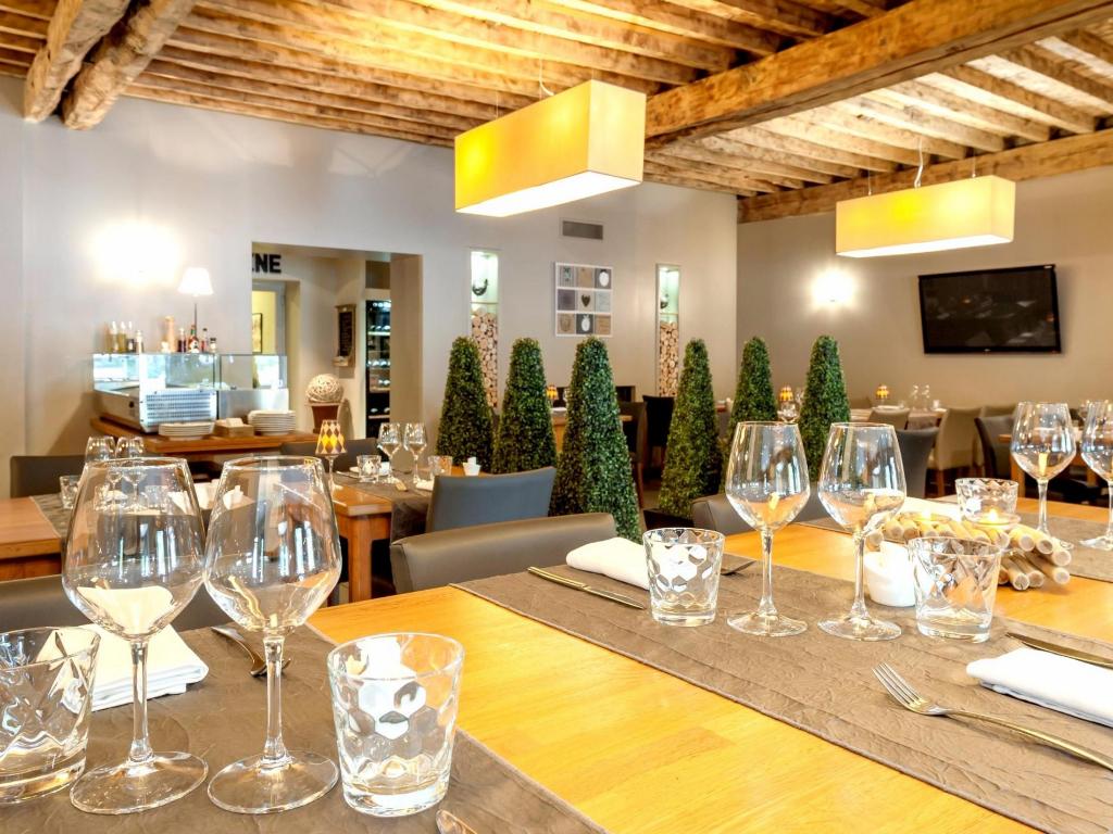 Fonds de commerce Restaurant 60m2 plus cuisine et chambre froide - wc indépendants