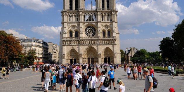 Notre-Dame Paris -12 m2 + cave 8 m2