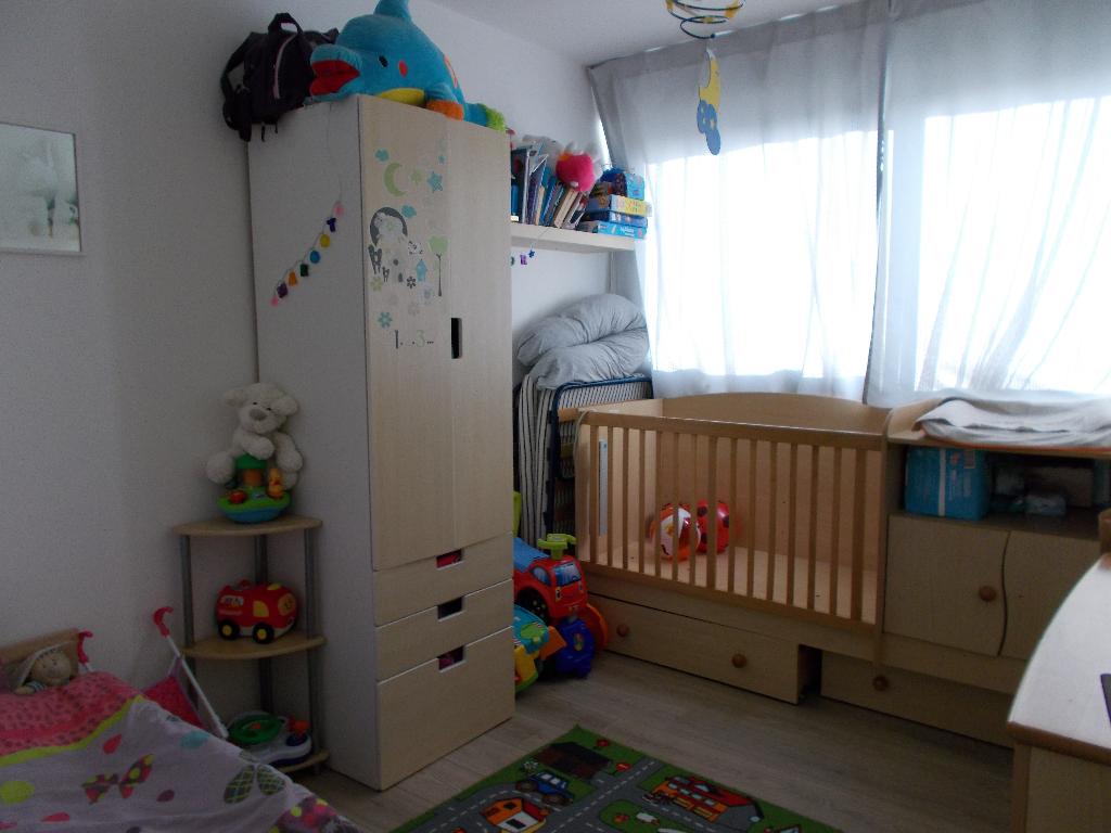 Appartement  4 pièce(s) 86 m2  + 2 pl. parking privatives