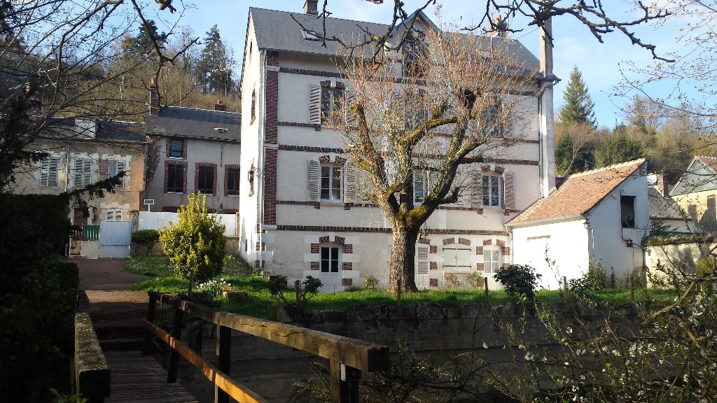 Maison  11 pièces 160 m2 à CHATEAU-RENARD