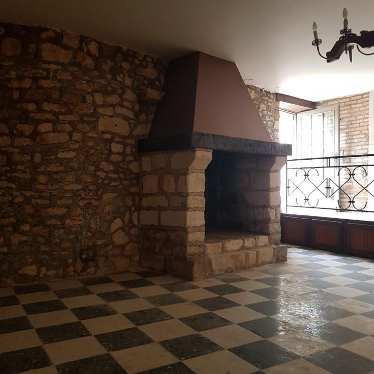 Très Belle Maison en pierre avec garage