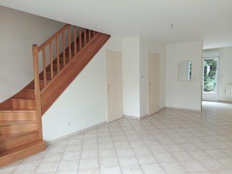 Maison F3 de 2009 71 m2 carrez, Neuville Aux Bois (45)