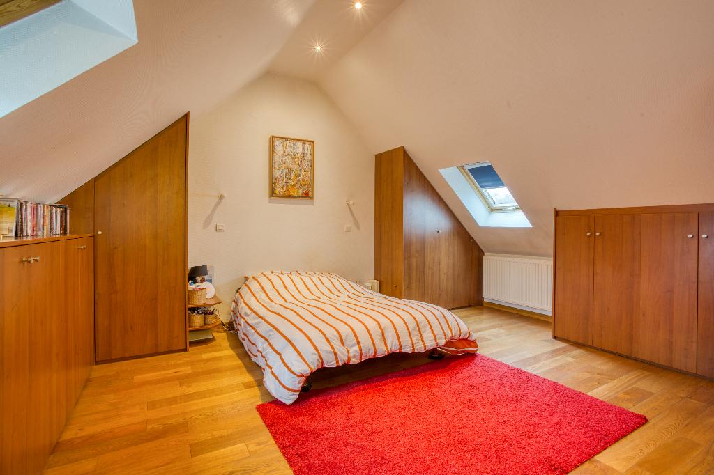 Appartement  5 pièce(s) 212 m2