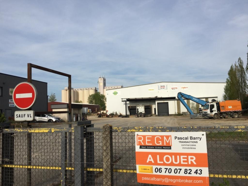 Entrepôt / local industriel Saint Pierre Les Nemours