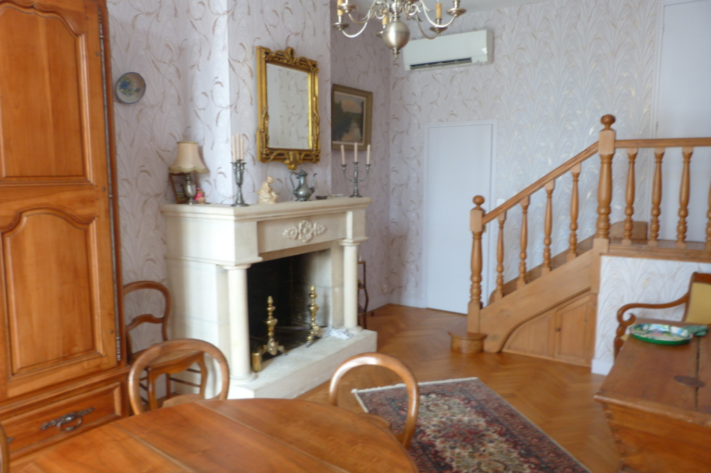 Belle Maison  en pierres 8 pièce(s) 190 m2