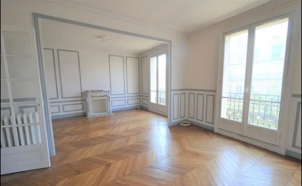 Opportunité proche Mairie 18ème 110,64m²