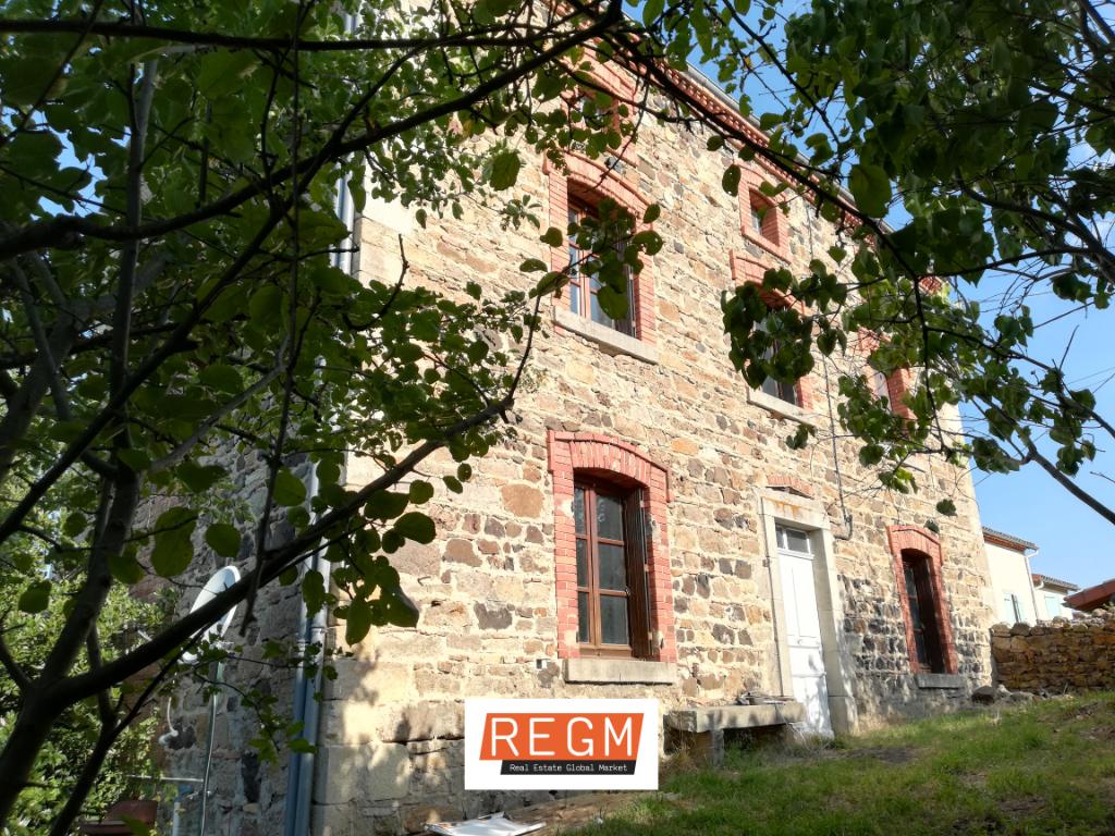 Maison de Village rénovée  Egliseneuve Près Billom