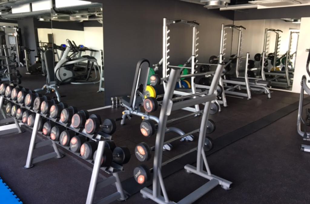 Salle de sport ORLEANS (45) grand axe, 1200 m²