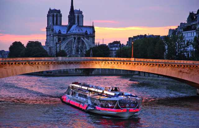 Region centre , tourisme fluvial en exclusivité
