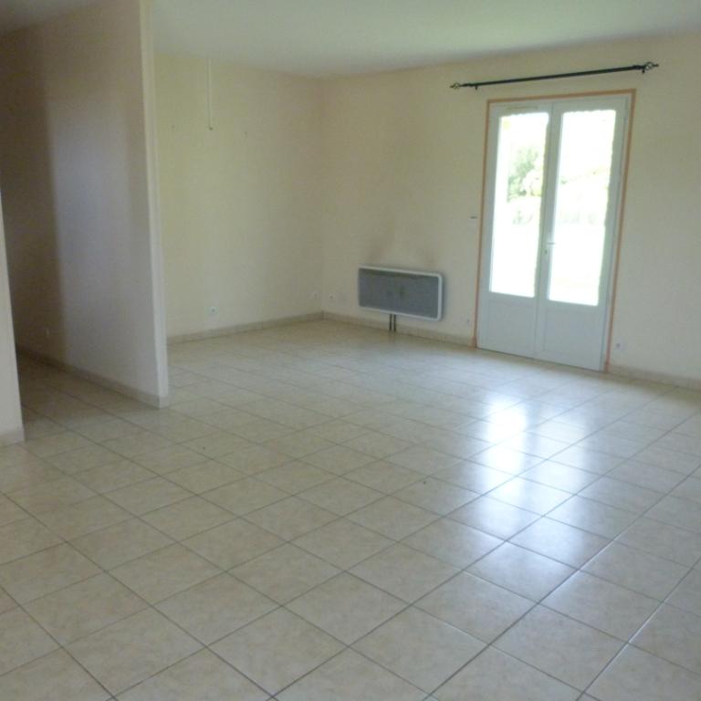 Belle Maison Plain Pied Verteillac 4 pièce(s) 97 m2