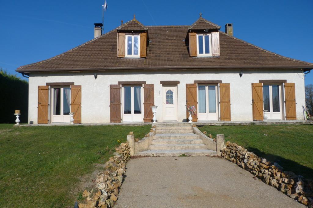 maison style Périgourdin 5 chambres et piscine