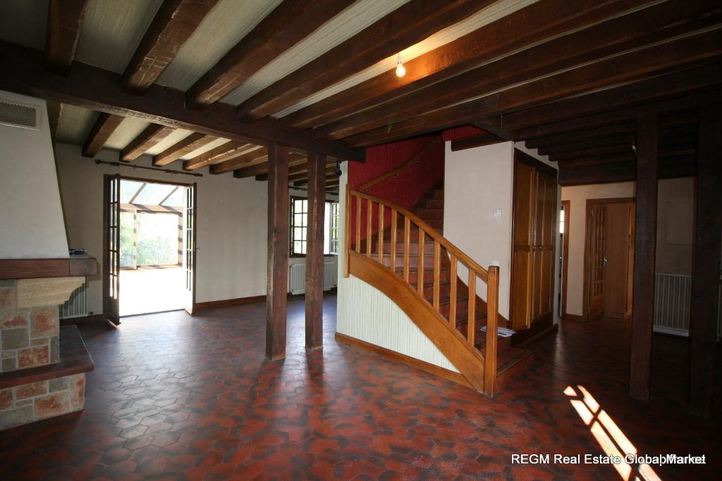 Dpt Loiret (45) - VIENNE EN VAL  OPPORTUNITÉ - Au calme, maison à rénover 132 m², 4 chambres, sous-sol sur terrain arboré 1 595 m²
