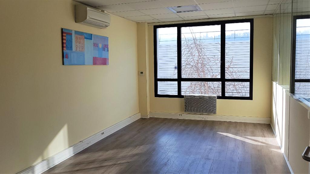 Bureaux Croissy Sur Seine 5 pièce(s) 210 m2