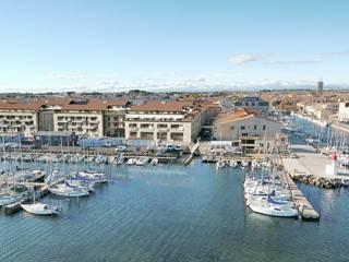 FRAIS DE NOTAIRES RÉDUITS! Immeuble neuf sur le port de Marseillan avec terrasses et vue imprenable.