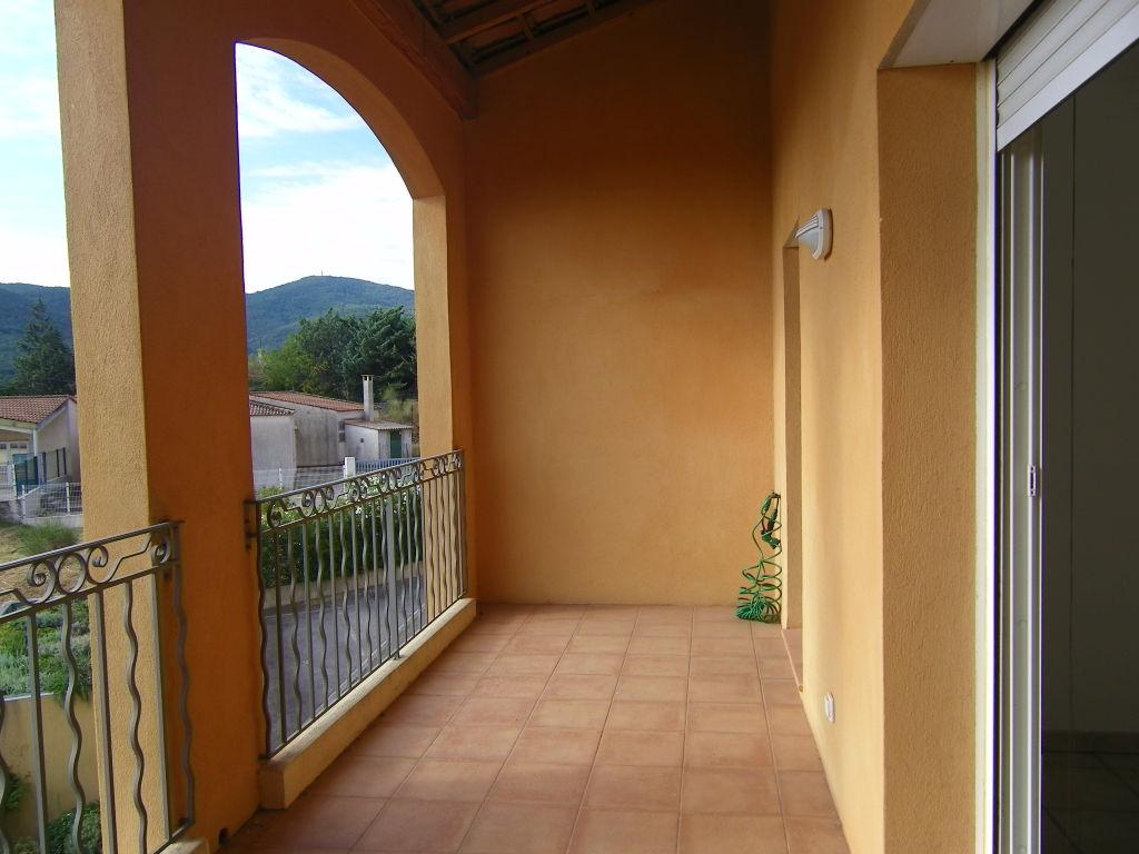 Gonfaron: Appartement T3 65 m2