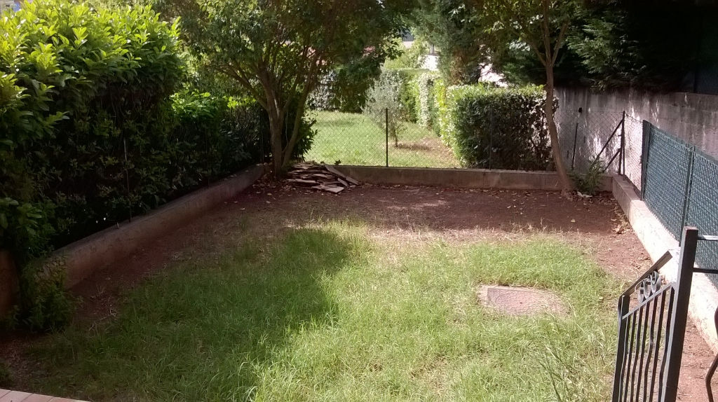 Le Luc  83340 Appartement T3 - Terrasse et Jardin