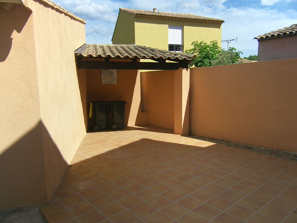 Appartement Le Luc 1 pièce(s) 28 m2 Jardin Garage