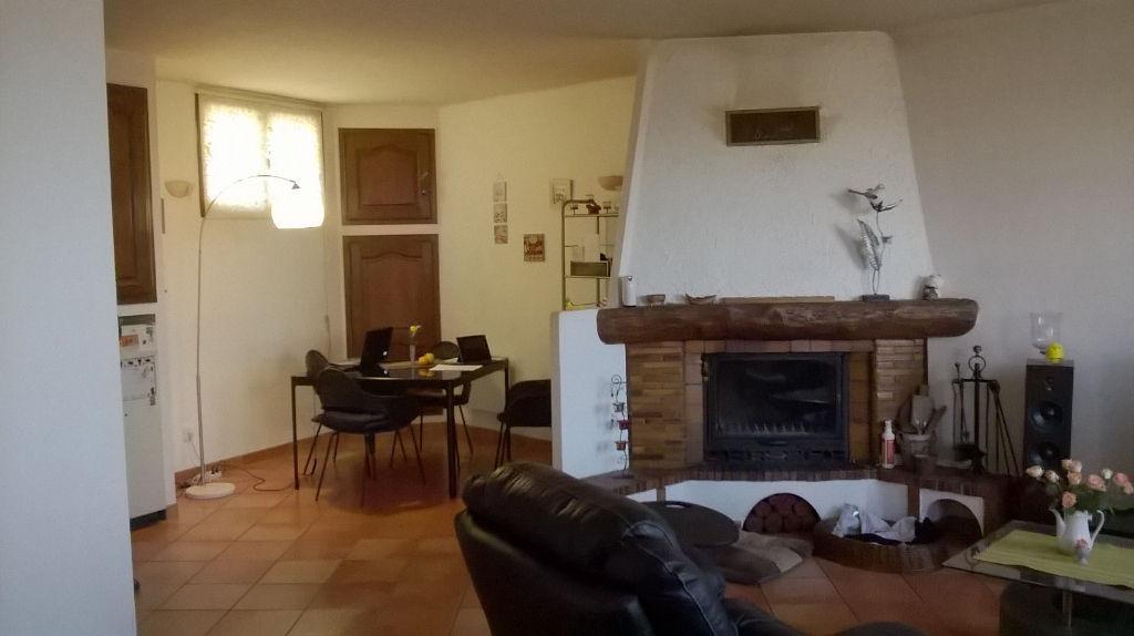 Maison Les Mayons 4 pièce(s) .