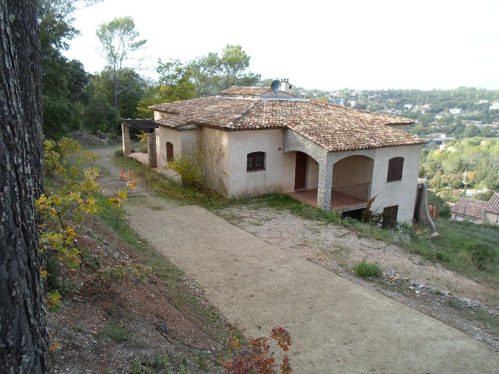 Villa Titanesque à Flassans