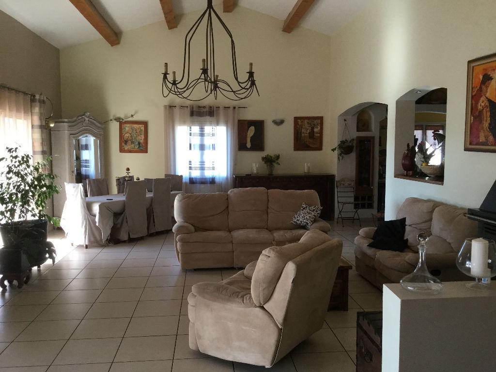 Villa à Flassans sur Issole 257m²