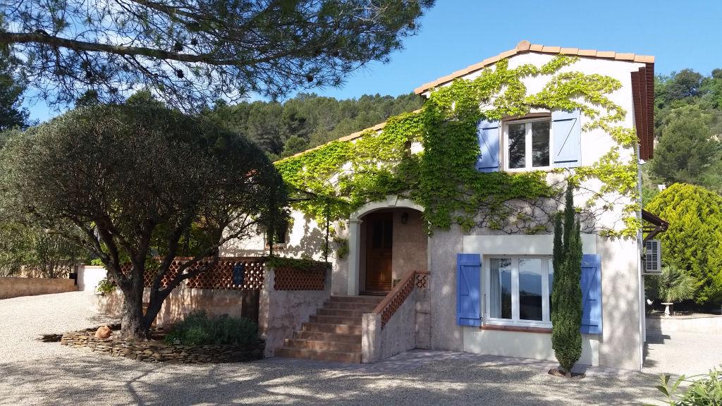 Villa 4 pièces sur 4201m²