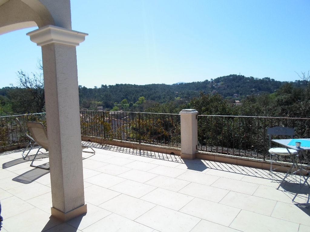 Villa Provençale avec Piscine à Flassans