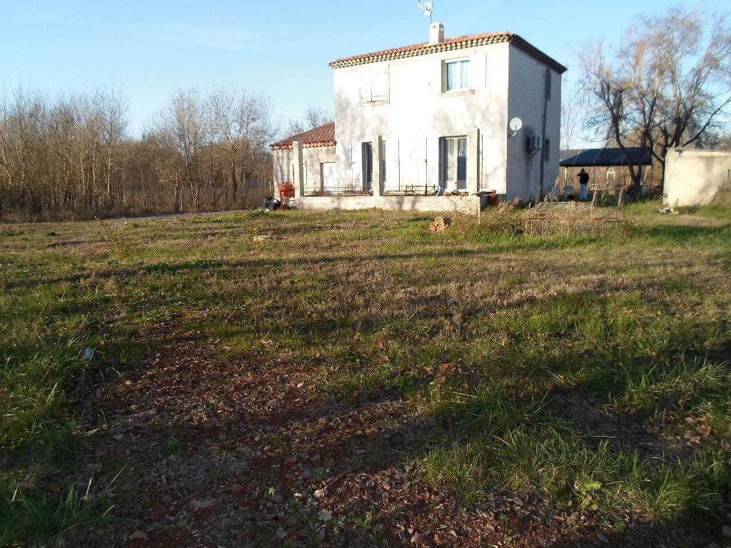 Le Luc Villa en campagne.