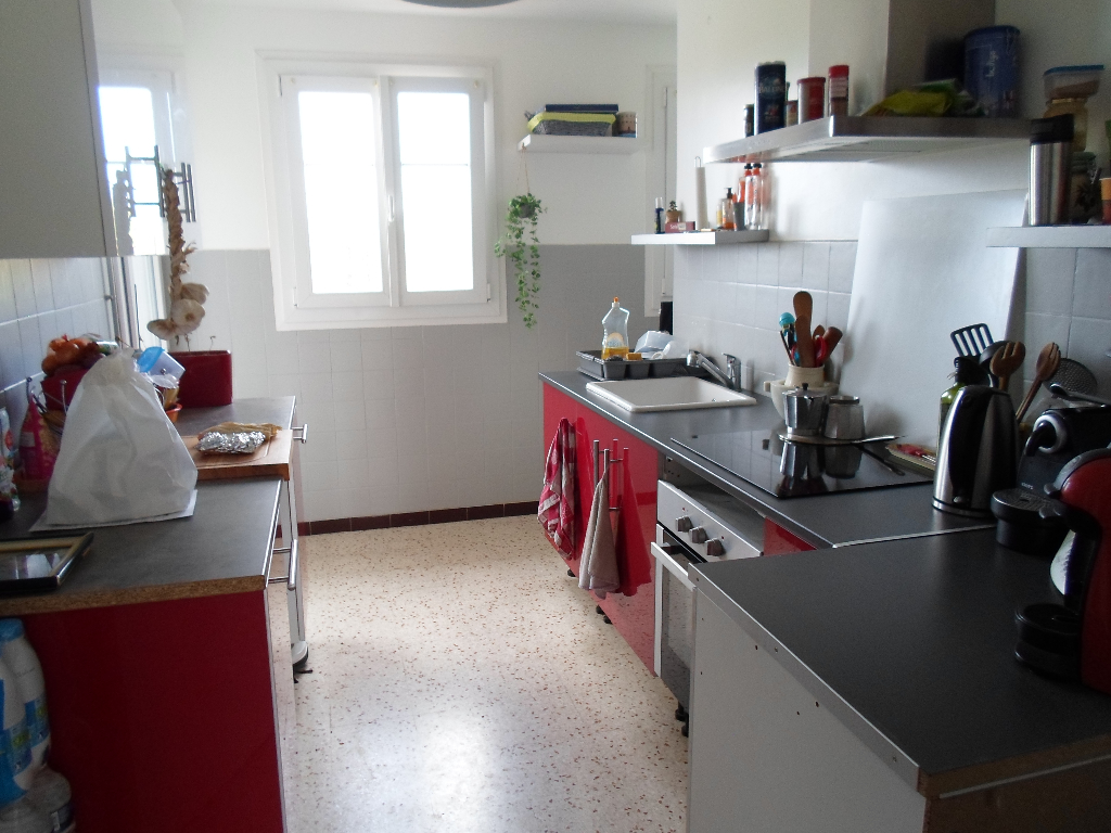 COEUR DU  VAR - Appartement  3 pièce(s) GARAGE
