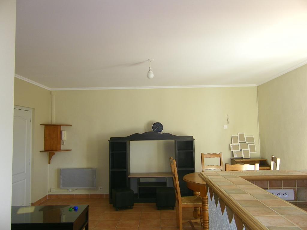 Le Luc T2  meublé 40.05 m2