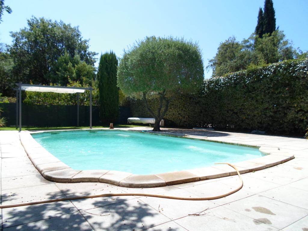 Villa  210 m2 + piscine, le Cannet des Maures
