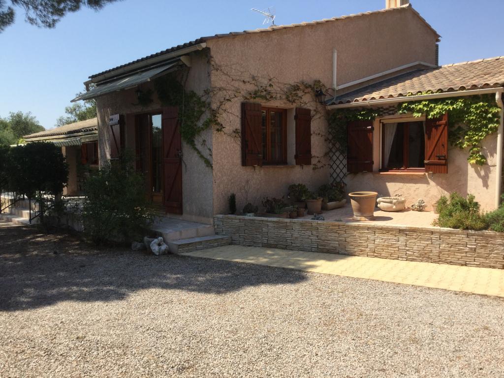 Villa Le Cannet Des Maures 4 pièce(s)