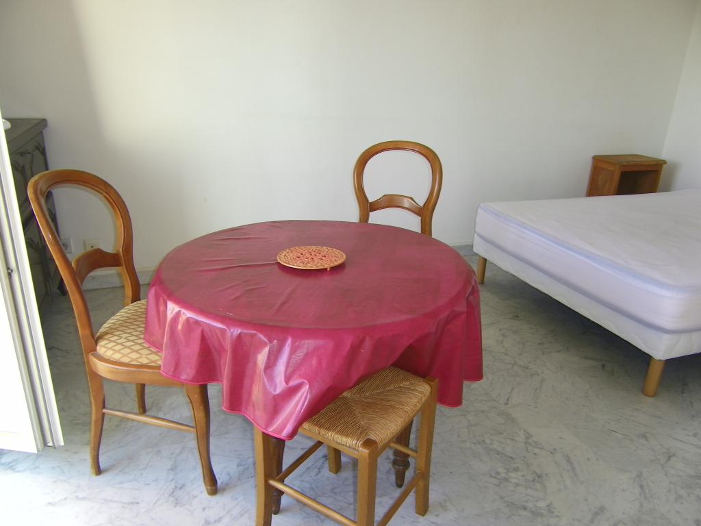 Appartement Studio  Meublé Le Luc