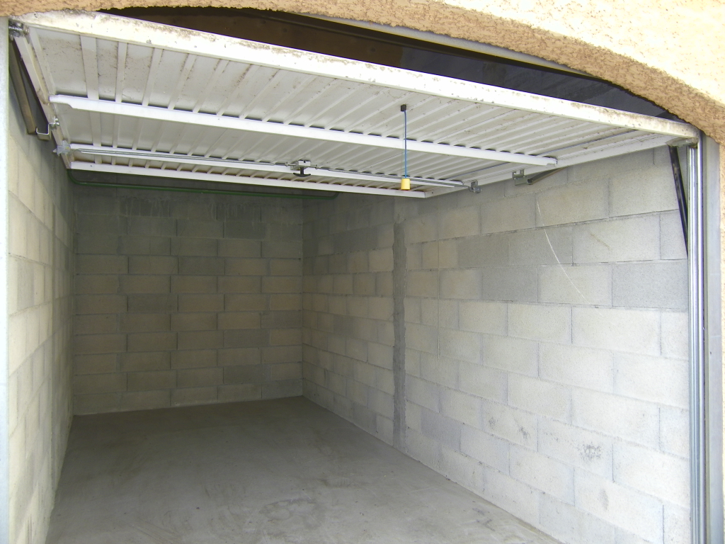 Garage / box  - Le Luc