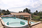 Belle villa traditionnelle avec piscine à Garéoult