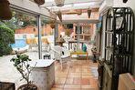 Villa avec superbe vue, piscine et garage