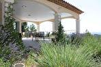 Villa avec piscine et superbe vue dominante