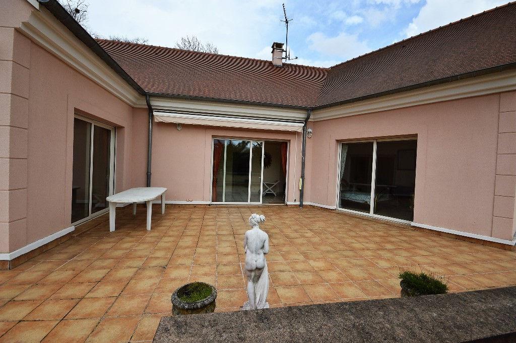 Villa Saint Aubin 8 pièce(s) 275 m2