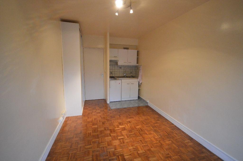 Appartement Bievres 1 pièce(s) 19 m2