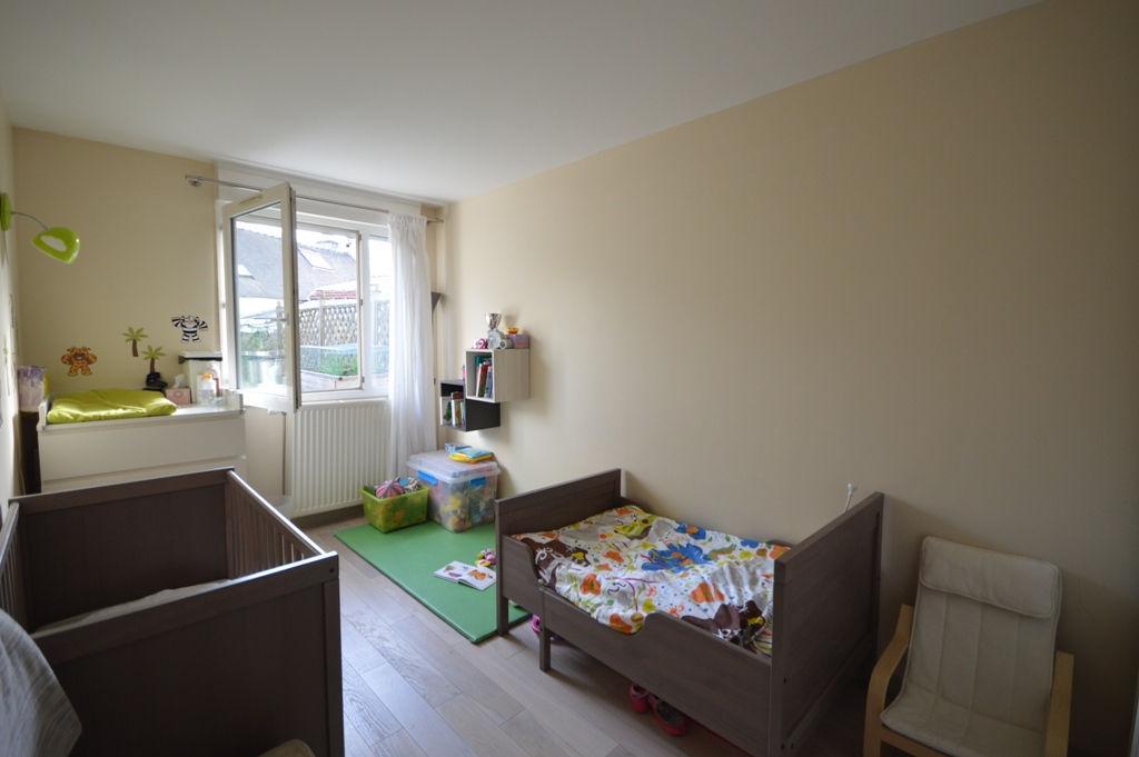 Appartement Villiers Le Bacle 3 pièces avec Jardin