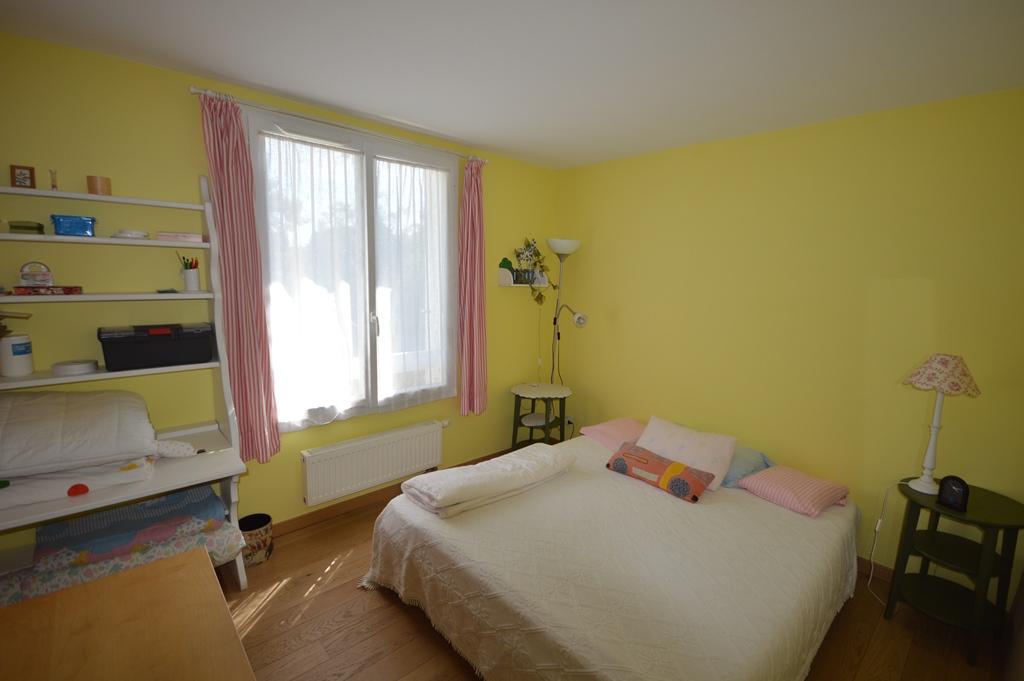 Maison Chateaufort 8 pièce(s) 140 m2
