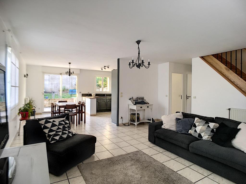 Maison Buc 7 pièce(s) 111 m2  (153 m² utile)