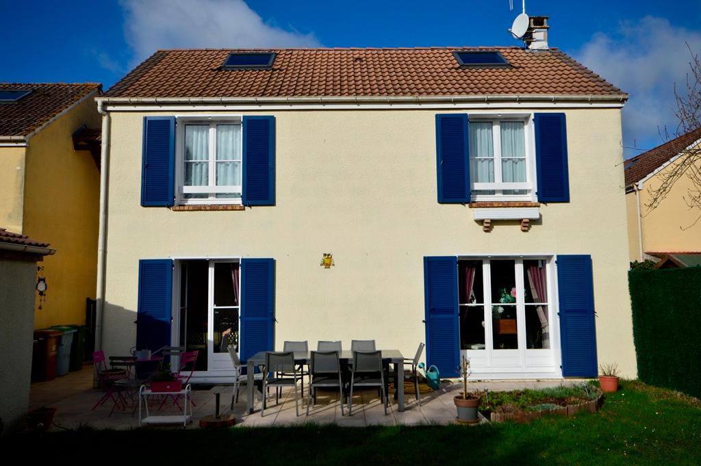 Maison Chateaufort 6 pièce(s) 112 m2