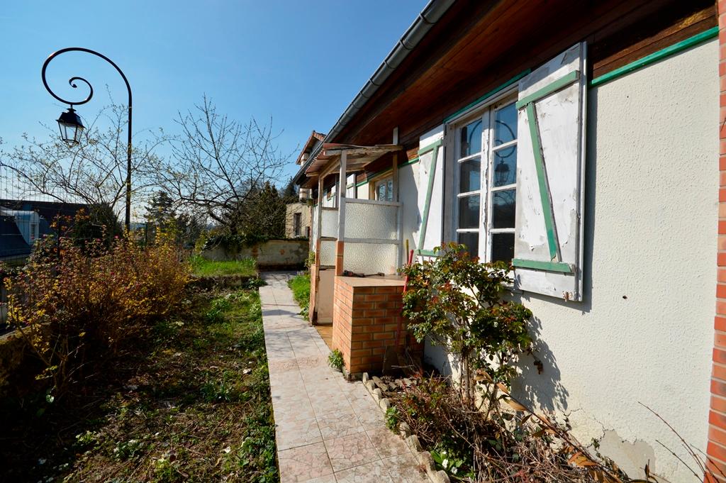 BUC centre - 2 maisons sur terrain de 599 m²