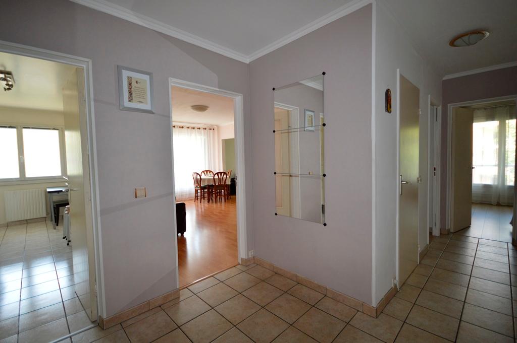 Appartement Magny Les Hameaux 4 pièce(s) 81 m2