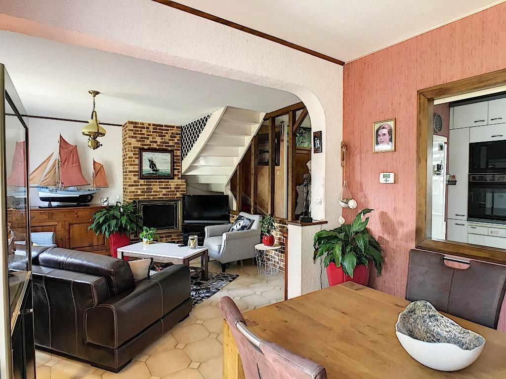 Maison Magny Les Hameaux 6pièce(s)