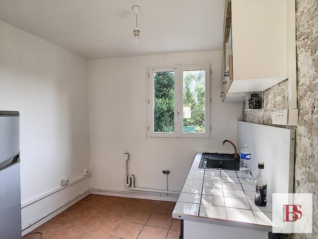 Maison  2 pièce(s) 56 m2 plus garage sur terrain de 175 m².