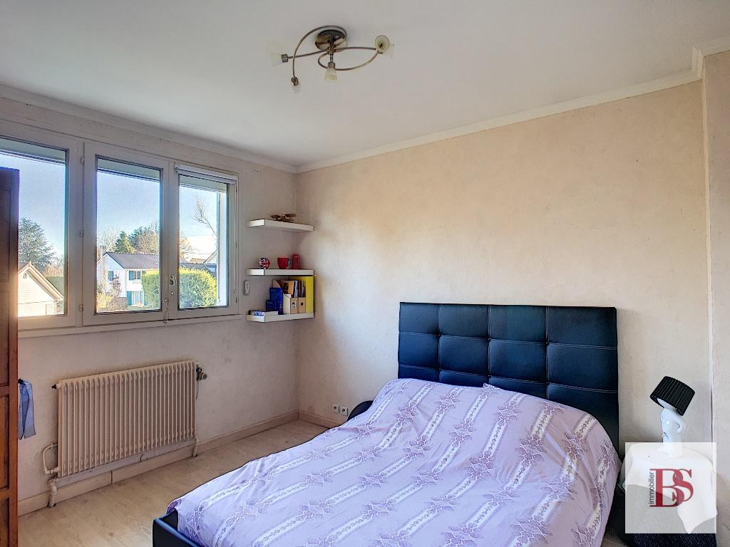 Maison indépendante 8 pièces sur terrain 670 m².