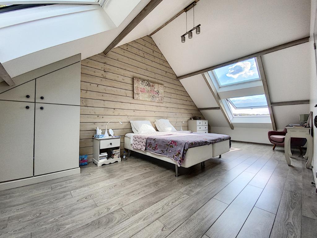 Maison  7 pièce(s) 150 m2  vue imprenable sur vallée