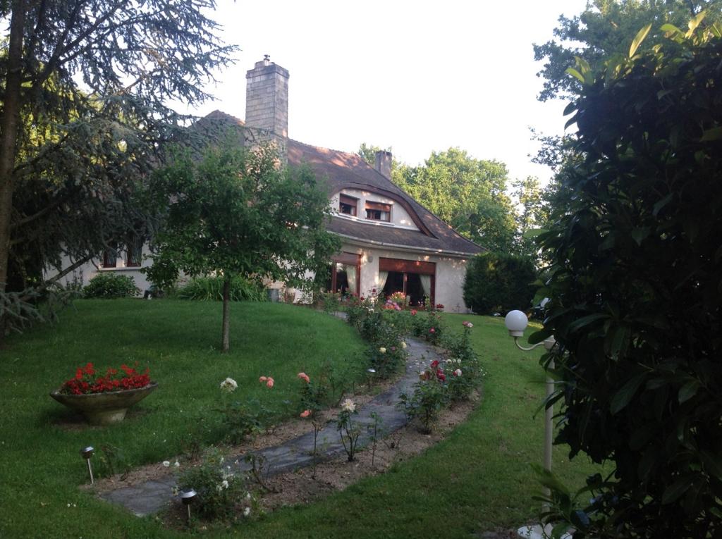OUEST MONTARGIS  PROCHE ACCES A77