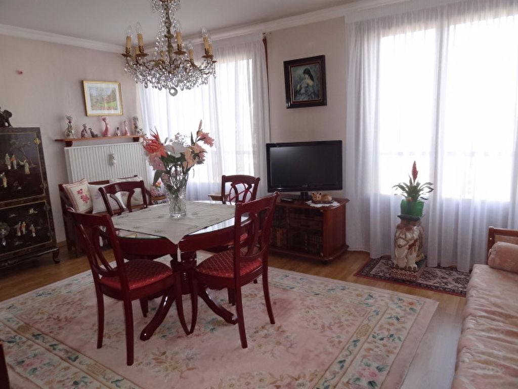Appartement - 4 pi�ce(s) - 74 m2